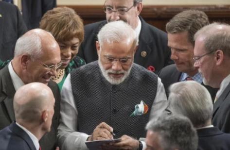 印度一政党领袖当街遭枪杀 考验莫迪的时候到了