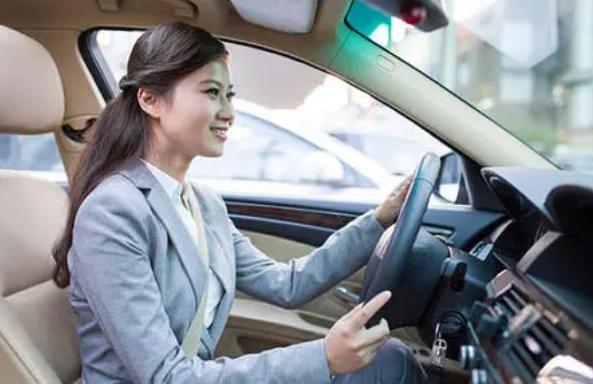 女性开车要注意那些方面 女士开车安全攻略指南