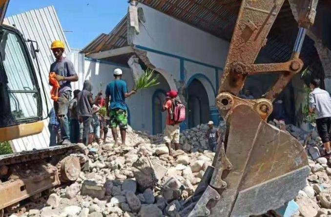 海地地震伤亡人数持续上升 总理强调面对大灾要团结