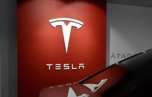 特斯拉市值蒸发近2000亿,美国政府正式调查特斯拉自动驾驶