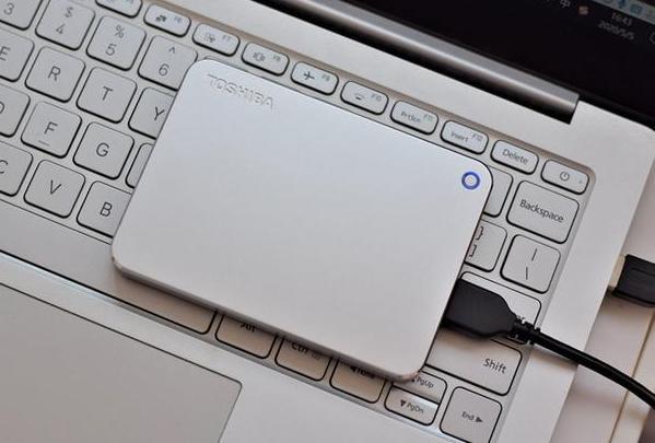 最适合上班族的移动硬盘该怎么选?2021年有哪些值得购买的移动硬盘?