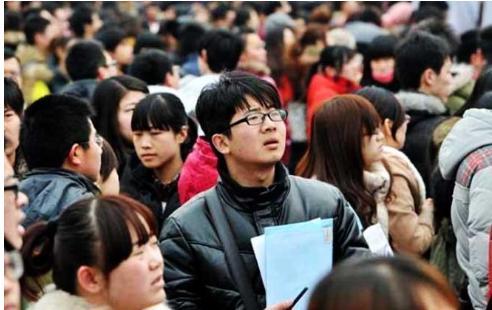 英语专业毕业的大学生,出社会都能从事什么工作?