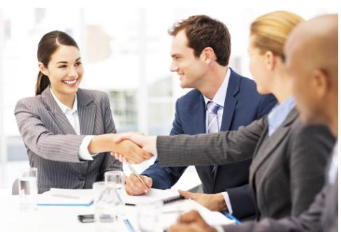 职场上,究竟我们该不该和同事成为朋友?