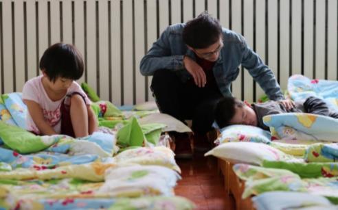 山东无良保育员粗暴对待幼儿 幼儿心灵再次受到伤害引发网友关注