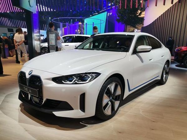 宝马i4亮相慕尼黑车展 最新宝马i4亮相最快明年上市