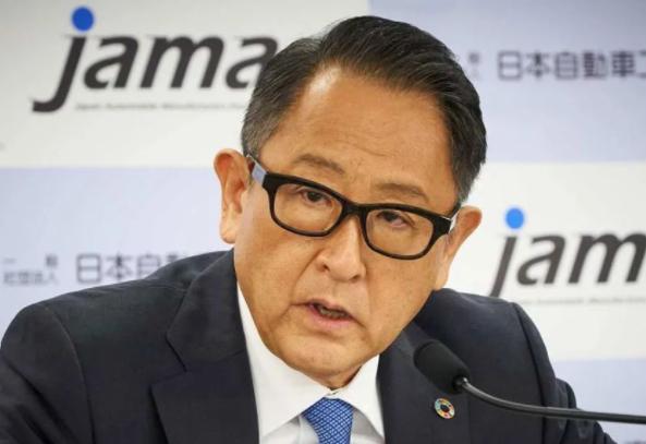 丰田社长再抨击电动车政策是怎么回事 丰田章男:碳中和敌人不是内燃机