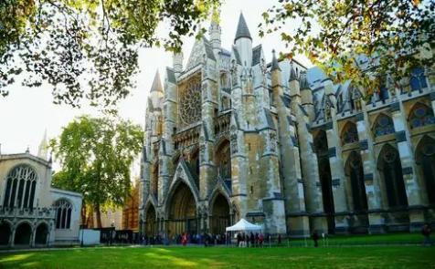 """在英国开设第一个本科奖学金?剑桥第二院真是""""富有而任性""""!"""