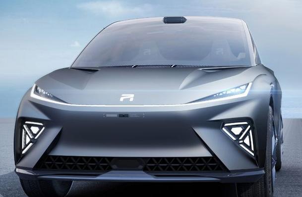 R汽车进化速度极快 从0到1只用了1年已经具备完全独立的条件
