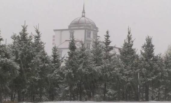全国多地迎入秋后首场降雪! 全国多地迎入秋后首场降雪注意防寒保暖