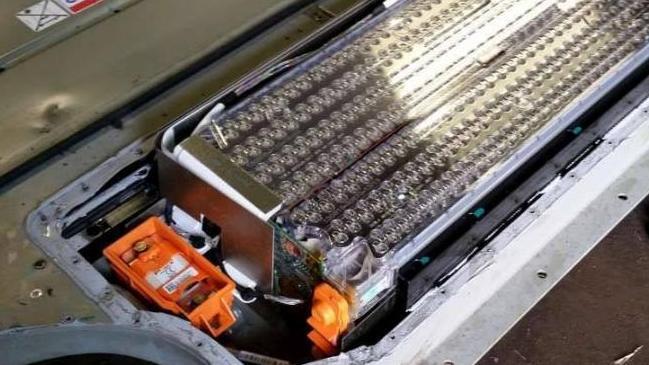 特斯拉将全面搭载磷酸铁锂电池 智能光伏建材或成新亮点