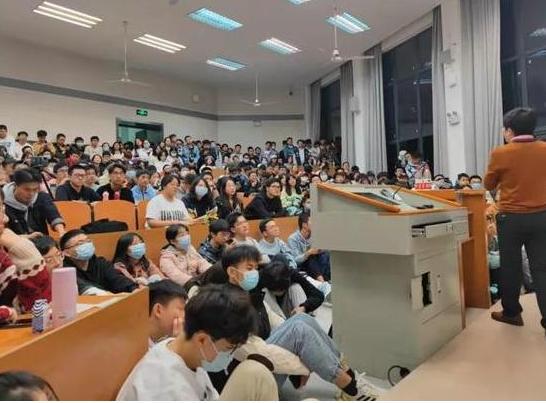 武汉大学恋爱心理课讲座备受欢迎 武汉大学恋爱心理课教的是正确的婚恋观