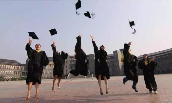 根据实现高等教育内涵发展的要求,高教司围绕内涵发展,提高质量做了十件大事。