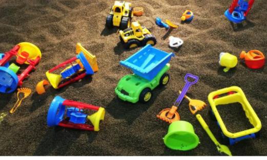 玩具会威胁孩子的健康吗?如何给孩子选购玩具呢?选购玩具的注意事项?