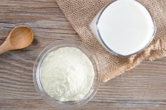 冲牛奶是先加奶还是先加水?什么温度的水冲奶粉?牛奶的加热方式?