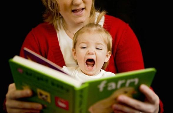 宝宝应该依照月龄施展早教,父母正确对待早教机构及课程内容。