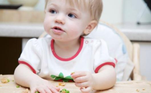 什么原因会引起宝宝厌食?如何护理和预防?