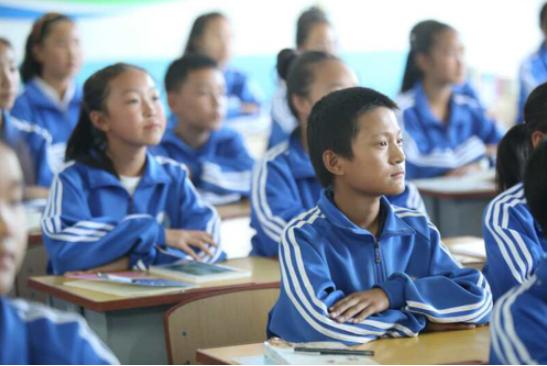 中国传统教育一直强调培养人的共性,教育对于一个民族有创新意识很重要。