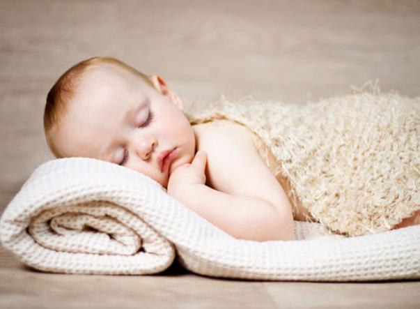 宝宝的睡眠特征是什么?婴儿如何睡觉?
