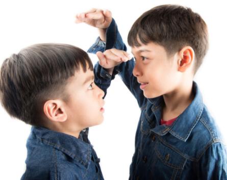 孩子长不高是营养不够?孩子为什么会患上矮小症?父母要如何帮助孩子预防矮小症?