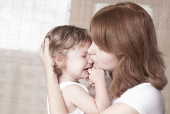 哭是孩子心理情绪的一种外在表现,孩子老爱哭闹该怎么办?