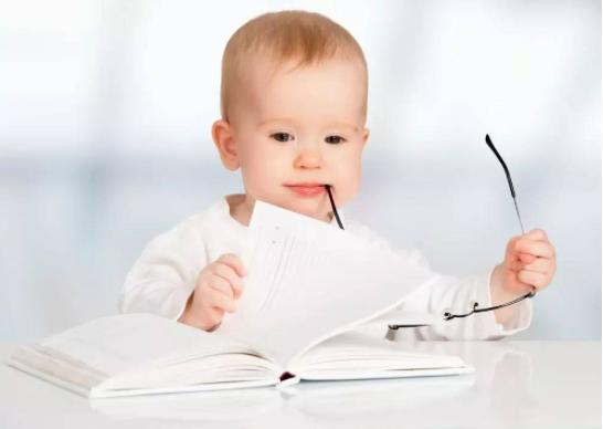 培养宝宝说话的三个关键阶段是什么?如何培养宝宝的语言能力?