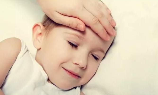 如何判断宝宝是不是在发烧?宝宝发高烧应该怎么做?