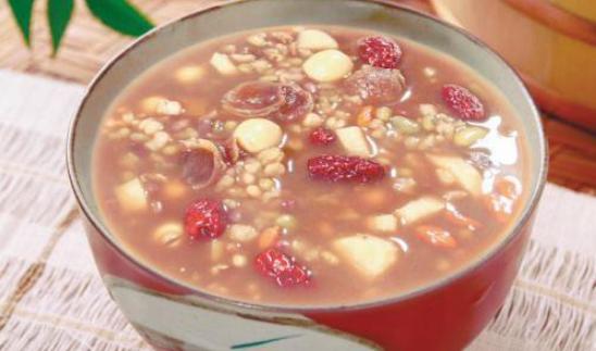 糖友们为何要慎重喝粥?烹饪腊八粥食材选用的原则是什么?