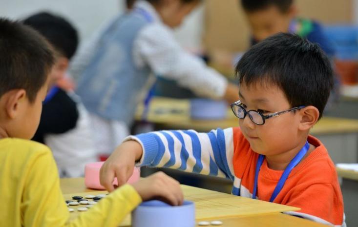 宝宝学围棋的最佳年龄是什么时候?宝宝学习围棋有什么好处?