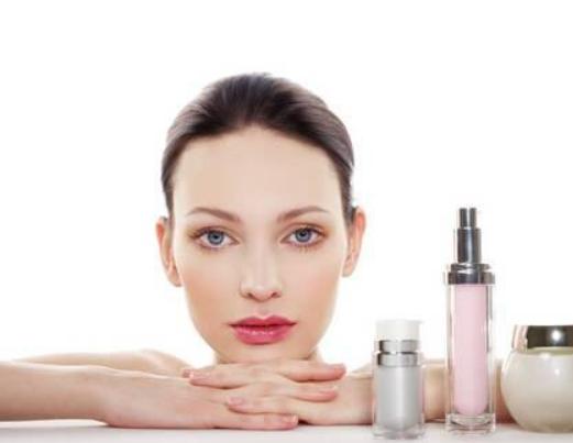 严寒干燥的天气会对皮肤造成伤害,我们如何使皮肤保持最佳状态?