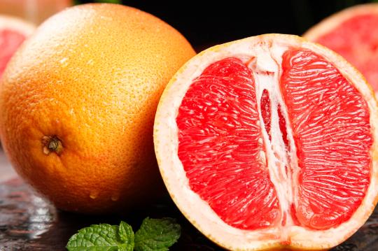血压高者应该少吃哪些水果?血压高了很难降?少吃3类水果,谨记4事,血压或会听话