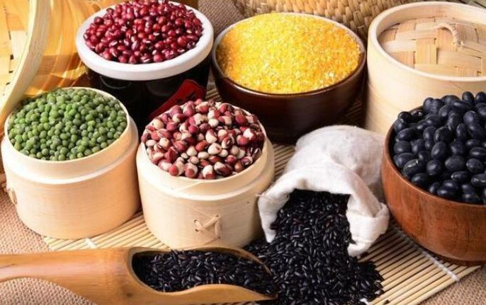 粗粮对健康有益,是吃得越多越好吗?粗粮真的能养胃吗?