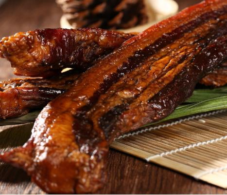 腊肉会不会致癌?腊肉怎么吃才健康?如何购买和储存腊肉?