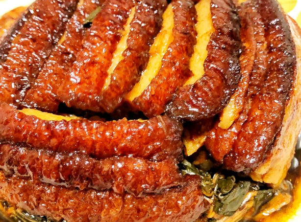 年夜饭梅菜扣肉的大厨做法,谨记扣肉制作5步法,酥软不肥腻,越吃越咸香