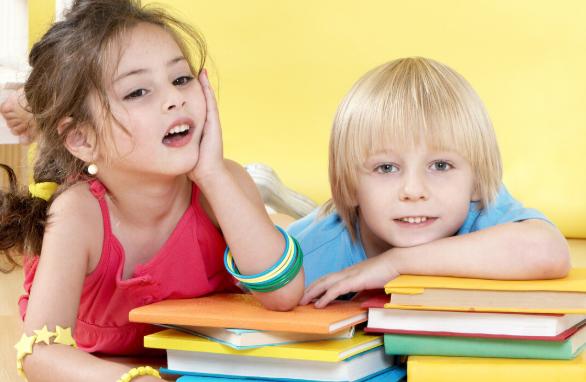 如何让孩子不爱读书的孩子爱上看书,变成一个书不离手的小书虫?