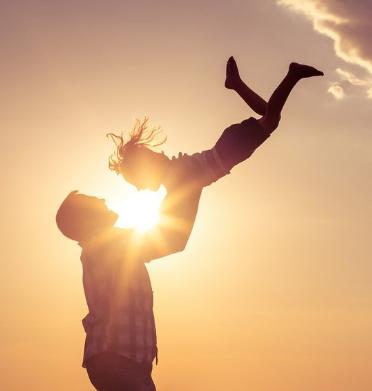 父母的生活态度,对孩子有什么的影响?如何教育好男孩子,养不教真的是父之过吗?