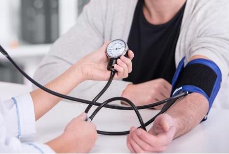 肾衰竭早期有哪些症状?肾衰竭的主要诱因有哪些?