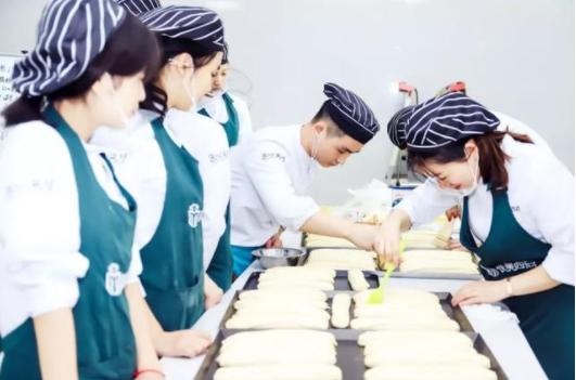 国家为什么要大力发展职业教育?职业教育有什么魅力?
