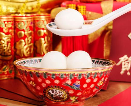 元宵节汤圆应该怎么吃呢?汤圆应该热吃还是冷吃?