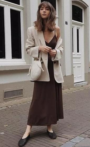 """年初春超流行的""""奶奶鞋"""",时髦又舒适,各位小姐姐该入手了"""