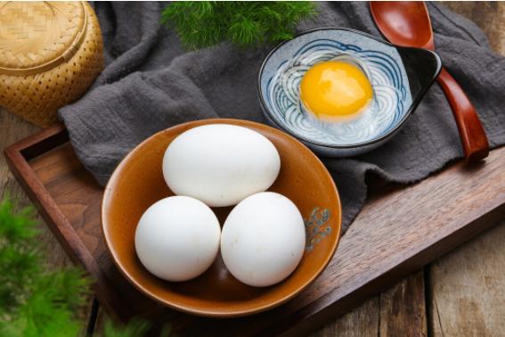 怀孕吃鹅蛋有祛除胎毒的功效?鹅蛋有什么特殊的营养物质吗?