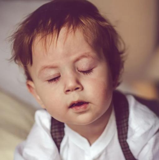 宝宝夜醒该不该喂奶?长期喂夜奶有哪些危害?