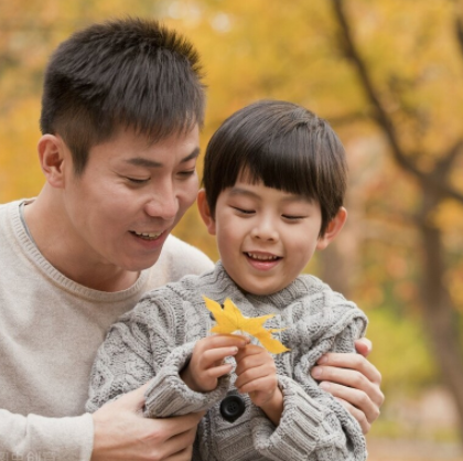 家庭教育重要的是父母的担当和庇护,让孩子有健康的品格,这才是最重要的