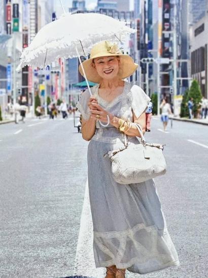 谁说追求时尚是年轻人的专利?中老年人也能优雅又时髦!