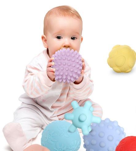 如何给8个月的宝宝做早教?8个月宝宝早教有哪些注意事项?