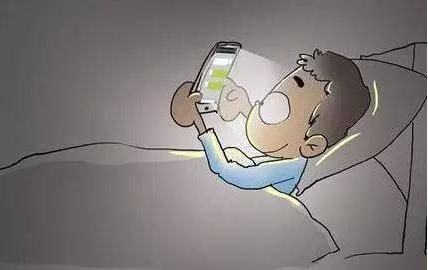 玩手机有什么危害?13岁的孩子沉迷手机怎么办?