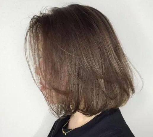 中年女性怎样选择适合自己的发色?2021最适合中年女性的初秋发色推荐