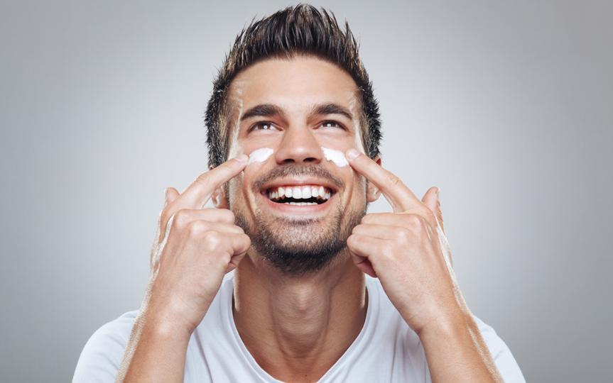 男性如何选择护肤品?秋季男性护肤有哪些注意事项?