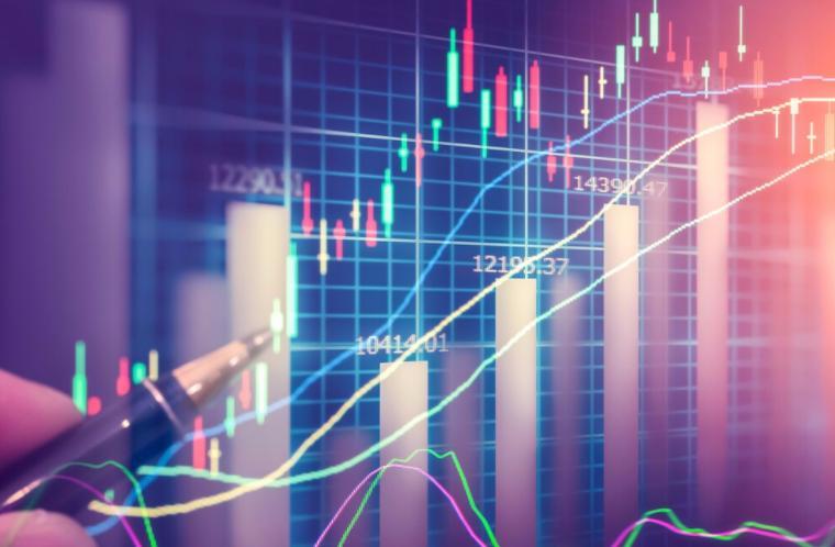 """为什么当前新能源估值还""""不算特别贵""""?未来择股要看哪个指标?"""