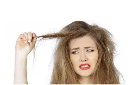 为什么秋季容易头发干燥?秋季头发干燥用五个护发小技巧