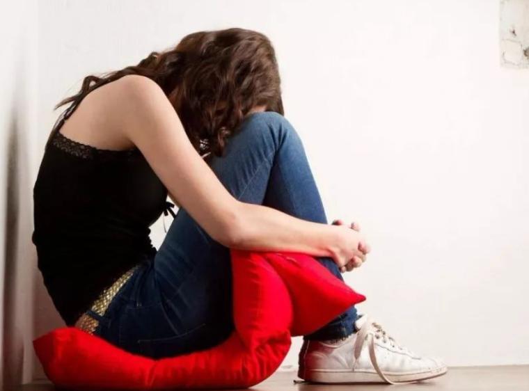 中国抑郁障碍患病率女性高于男性,更年期女性应该怎样预防抑郁症呢?